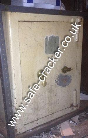 Old antique safe opening service All old antique safes